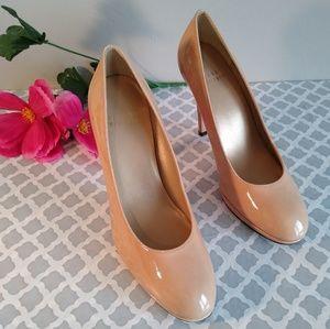 Stuart Weitzman nude heels size 6.5